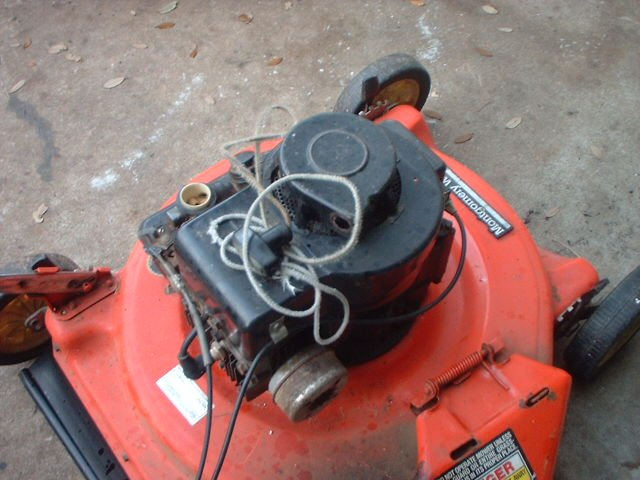 Lawn mower, pulling cord, broken, after replacement, cord does not