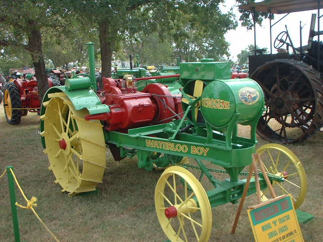Temple Tractor Show 2002